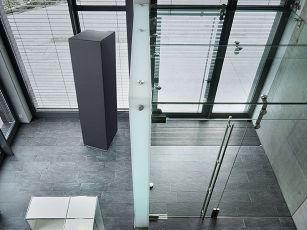Free-standing acoustic column