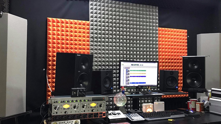 Perfect recording studio acoustics with sound absorber SH003